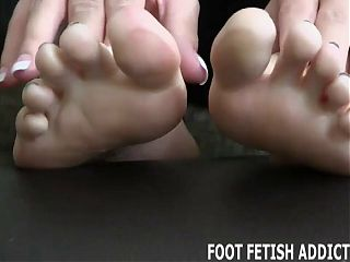 I need my feet pampered and worshiped