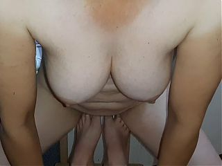 My girlfriend rubs her wet pussy on my feet and cums