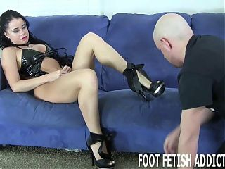 My feet deserve to be pampered and worshiped