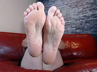 Lady Godiva Goes Live with Her Wrinkled Soles