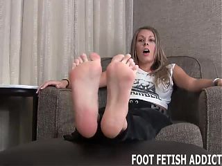 My big sexy feet are fit to be worshiped